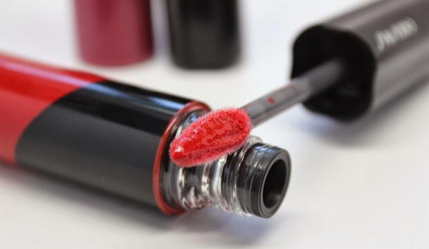 Rossetto omaggio Shiseido Lacquer Gloss