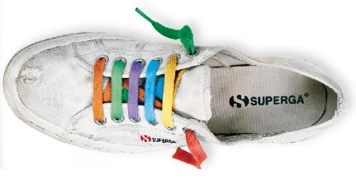 In regalo lacci per scarpe da Superga!